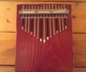 Альтокалимба 15 нот с резонатором из древесного массива